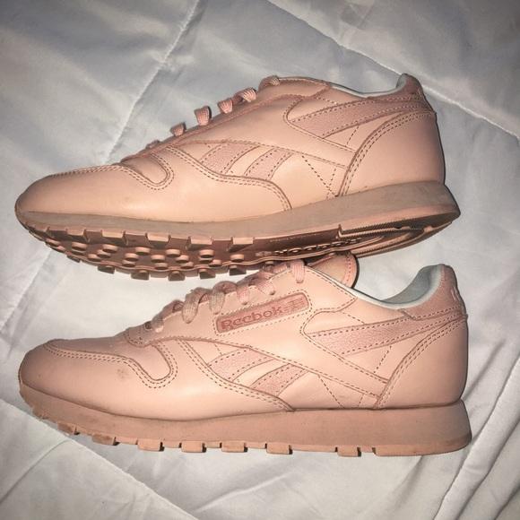 Pastel pink Reebok classics. M 5b6b86484cdc3005b9257d01 ad1aee625